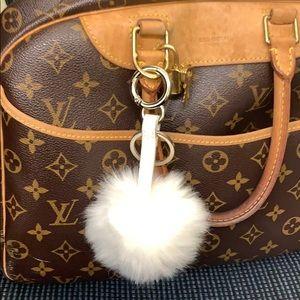 Key Chain or purse chain fury white thing 😊